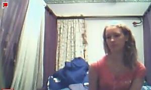 Slender kermis teen goes nude and masterbates on cams