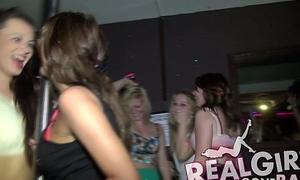 X-rated Teens obtain overt via a crooked bar teem