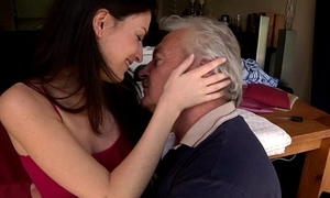 Teen cutie gets fucked overwrought doyenne Bruce