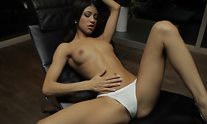 Elfin Latina Veronica Rodriguez seduces herself away from sinking her talented fingers yawning chasm into her landing strip pussy
