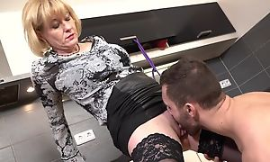 Cock-loving housewife beside juicy melons banged in a difficulty Nautical galley
