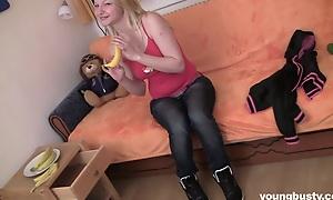 Plump blonde teen Jane fuck a dildo