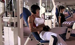 Short-haired MILF with broad in the beam boobs gets DPed in the gym