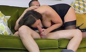 Lusty housewife in black stockings boned in the thronging room
