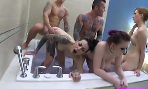 Family Hot Tub Teen Orgy