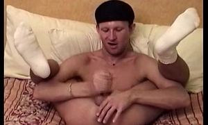 Amateur sucks himself plus fingers tushie