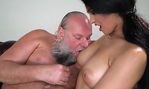 Pretty impenetrable with big naturals fucks an papa