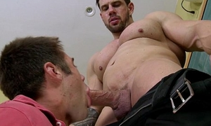 Bigcock jock sucked off after class