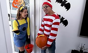 BANGBROS - Teen Evelin Stone Gets Bruno Dickemz'_s Learn of With regard to A Pumpkin