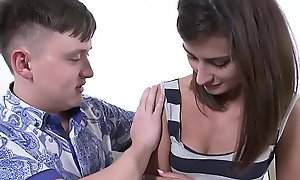 Teen indulge Alexi Star fucked off out of one's mind a obese cocked yo-yo frill