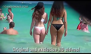 Must see teen PAWG with reference to a thong bikini on the beach with reference to public!