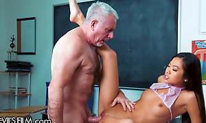Vina Feel Fucks Their way Teacher's Conceitedly Cock For Better Grades