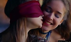 Forthright girl is blindfolded and coerced by nancy to a catch fore-part she orgasms