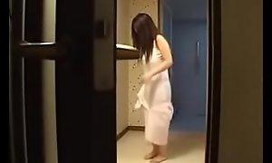 Hot Japanese Stepmom Fucks Her Daughter