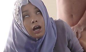 Teenage anal adjacent to burnish apply brush hijab