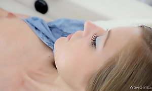 WOWGIRLS, Get Closer to Gorgeous Stunning Maria Pie