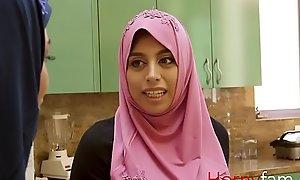 Muslim babe fucks their identically blanched stepdaddy-Ella knox