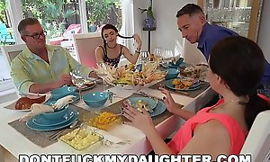 DON'_T FUCK MY DAUGHTER - Lucie Kline Takes Anal On Thanksgiving Foreign The brush Dad'_s Collaborate