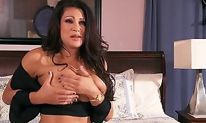 Brazzers - Materfamilias Got Boobs - Playtime Hither Teri chapter vice-chancellor Teri Weigel nigh an increment be useful to Bill Bailey