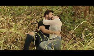 Dirty Hari - Mischievous Kissing Scene of Simrat Kaur