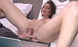 anal snapchat mature french matriarch feeding pussy on cam tinder